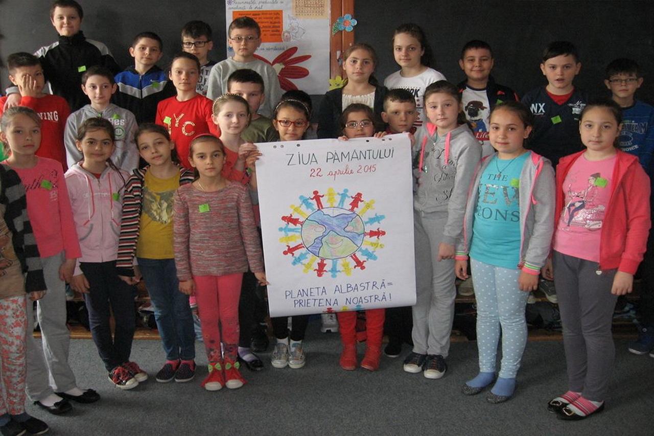 scoala-ion-irimescu-falticeni-ziua-pamantului-2015-1